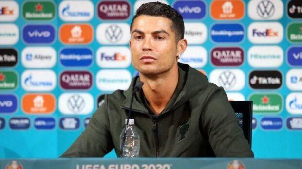 Ronaldo-e-Coca-Cola-cosa-significa-per-i-brand-1-620x348