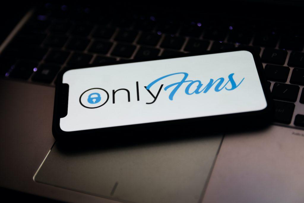 onlyfans-vieta-contenuti-espliciti